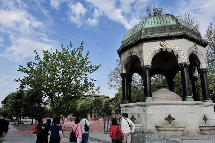 istanbul hippodrome german fountain, personal tours in istanbul, personal roman hippodrome tours, private roman hippodrome tour, roman hippodrome tour in istanbul,