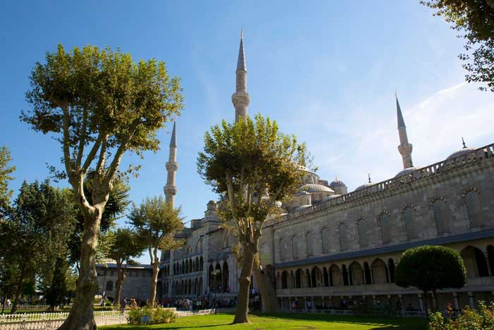 blue mosque garden and minarets, customized istanbul tour, customized blue mosque tour, private blue mosque tours, private blue mosque tour,